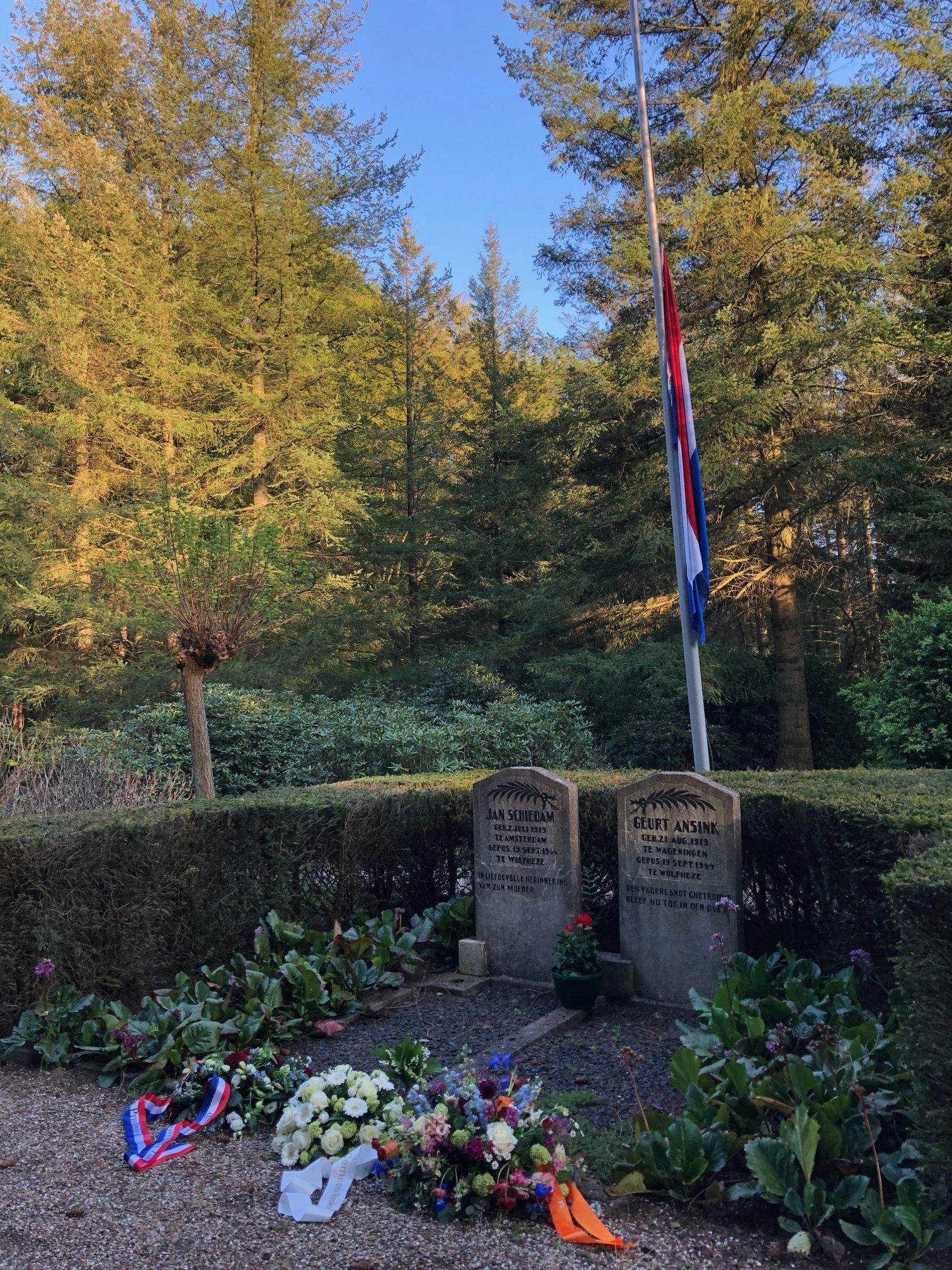 Monument twee omgekomen verzetshelden